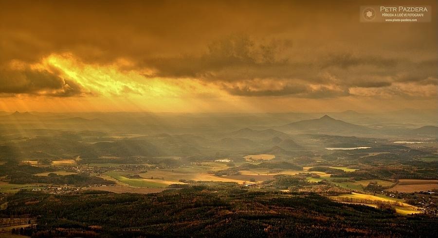 Boj slunce s mraky popis tahle scenérie se mi podařila zaznamenat
